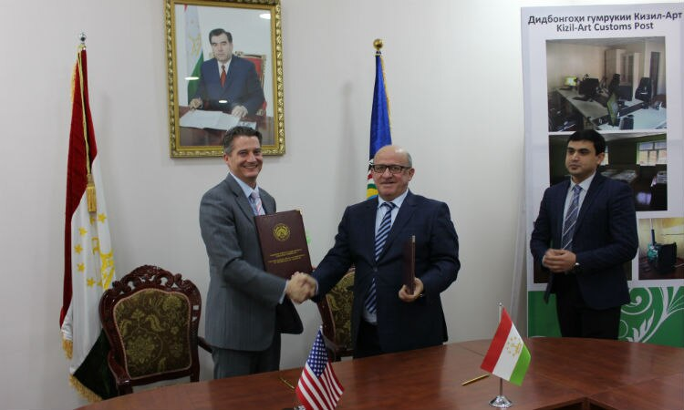 Men shaking hands. (Embassy Image)